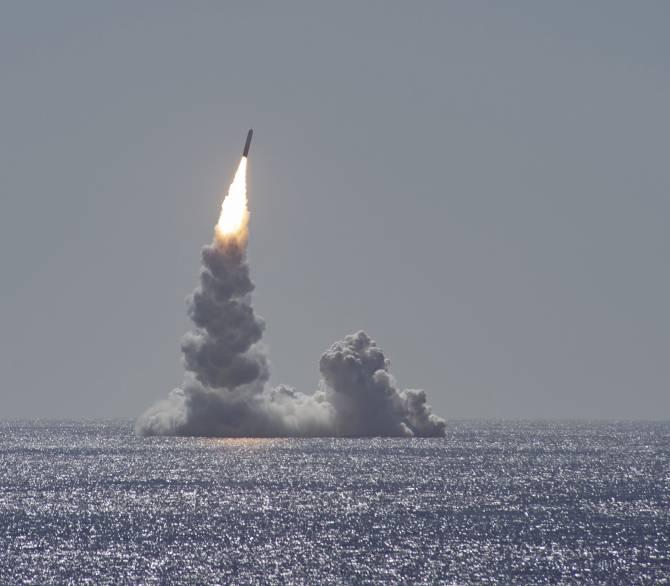 nuclear submarine ballistic missile launch