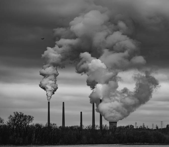 Air pollution from a power plant; Mike Marrah on Unsplash